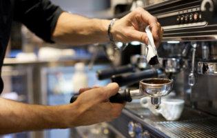 Eerste Nederlandse Gebarentaal-koffiebar Opent In Amsterdam