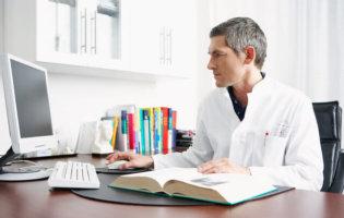 Dokter Achter Computer